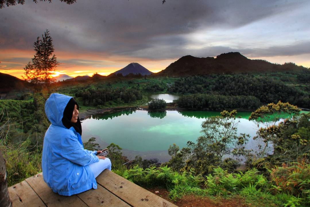 Sunrise di Petak 9 Telaga Warna Dieng photo by FarisaPuri