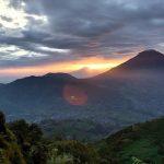 Menyaksikan Indahnya Indonesia dari Puncak Sikunir - foto oleh awank1402