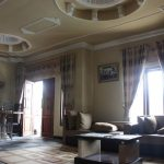 ruang tamu homestay dieng acacia (3)